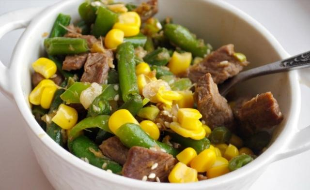 Теплый мясной салат: И одновременно самостоятельное блюдо к гарниру