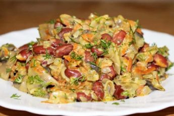 Готовила бы ежедневно: Теплый салат с фасолью и грибами