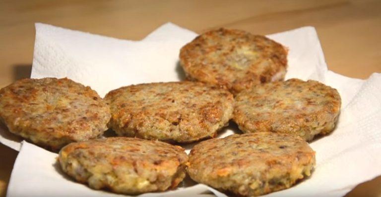 Особенные котлеты из гречки пахнут здоровьем. Не успеваю со сковороды снимать! Обязательно добавь сыр.